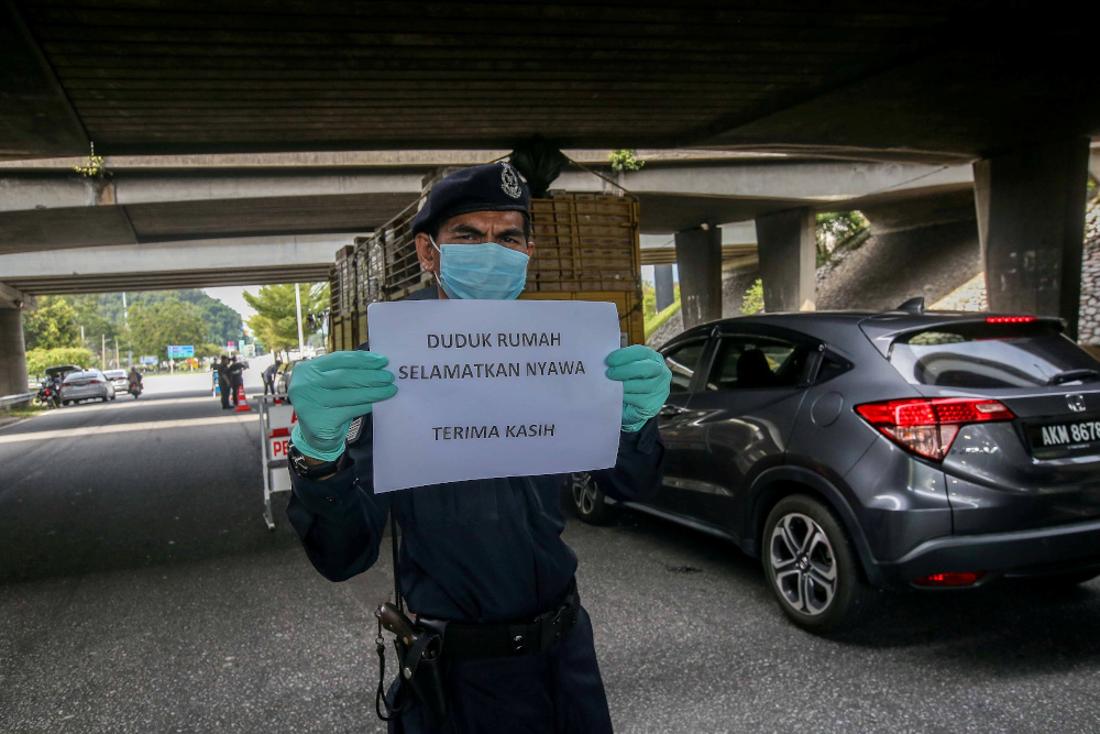 Mazlan said the police hoped that all parties would obey the MCO for the sake of breaking the Covid-19 infection chain. — Picture by Farhan Najib