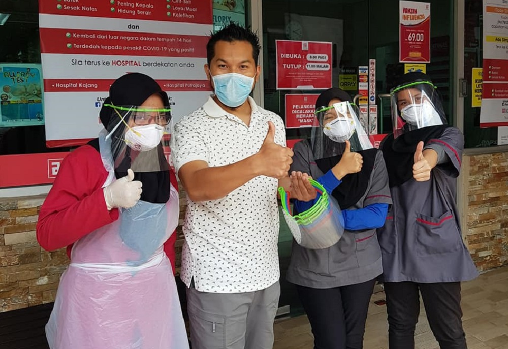 Malaysian volunteers have come together to use 3D printers and other methods to make much-needed face shields for medical personnel. — Picture via Facebook/Husni Faiz /3D Printing Malaysia Community for Covid 19 Group