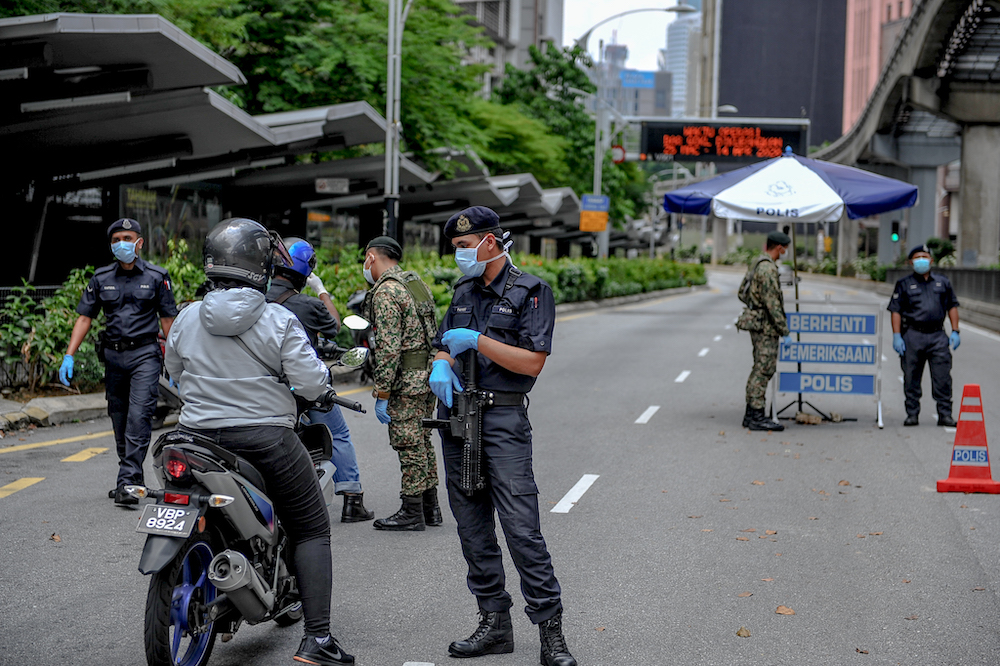 Edward said that it is essential to keep the spirits of police officers up during Ramadan, as fasting adds an extra challenge to Muslim officers. — Picture by Firdaus Latif