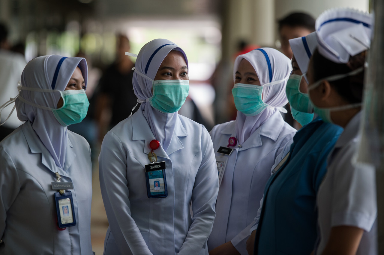 Two days ago, Dr Noor Hisham had said that the ministry was planning on recalling its retired doctors and nurses to reinforce the current frontliners in the face of the Covid-19 outbreak. — Bernama pic