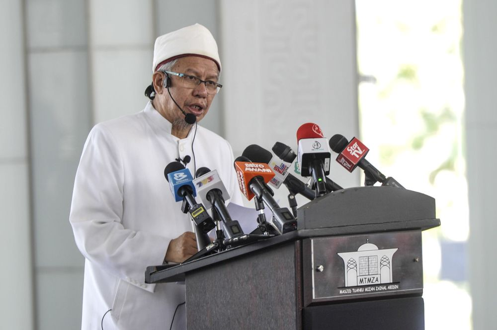 Datuk Seri Zulkifli Mohamad speaks at the Tuanku Mizan Mosque in Putrajaya March 12, 2020. — Picture by Shafwan Zaidon
