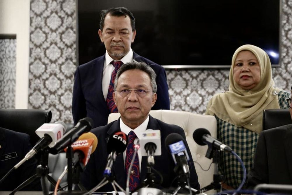 Johor Mentri Besar Datuk Hasni Mohammad said the door was always open to all parties to come up with ideas and views to restore the state's economy. — Picture by Ben Tan