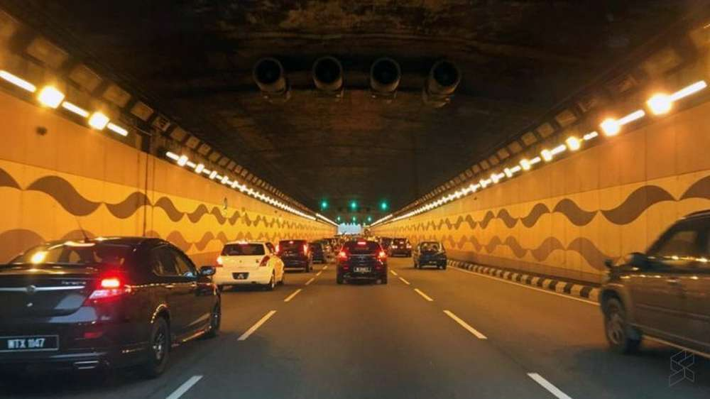 Waze will install energy transmitters on tunnel walls in partnership with Kuala Lumpur's Tun Razak Exchange (TRX) to help drivers 'move better' and 'stay safe'. — Picture courtesy of Soyacincau