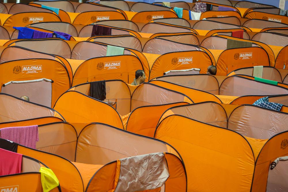 A general view of the temporary shelter in Pusat Komuniti Sentul Perdana in Kuala Lumpur April 7, 2020. — Picture by Hari Anggara