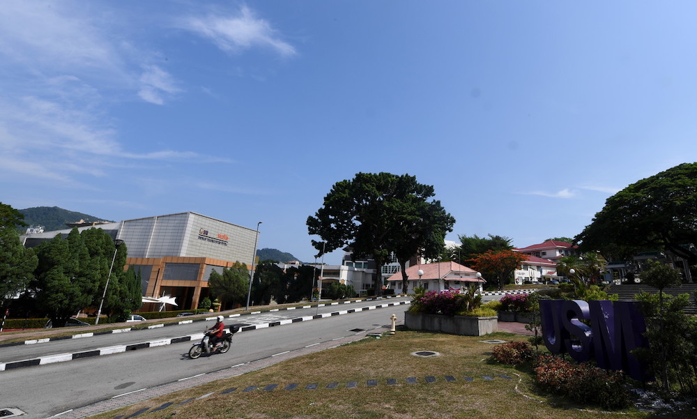 USM in a statement today said students from Sabah and red zones of other states could instead opt for online learning. — Bernama pic