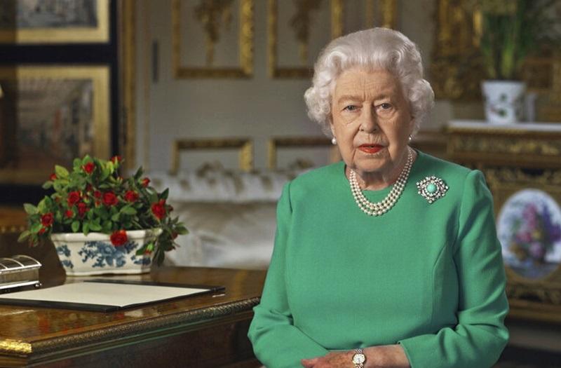 伊丽莎白二世发表特别电视讲话,感谢医护人员的付出,促请国民团结应对疫情。