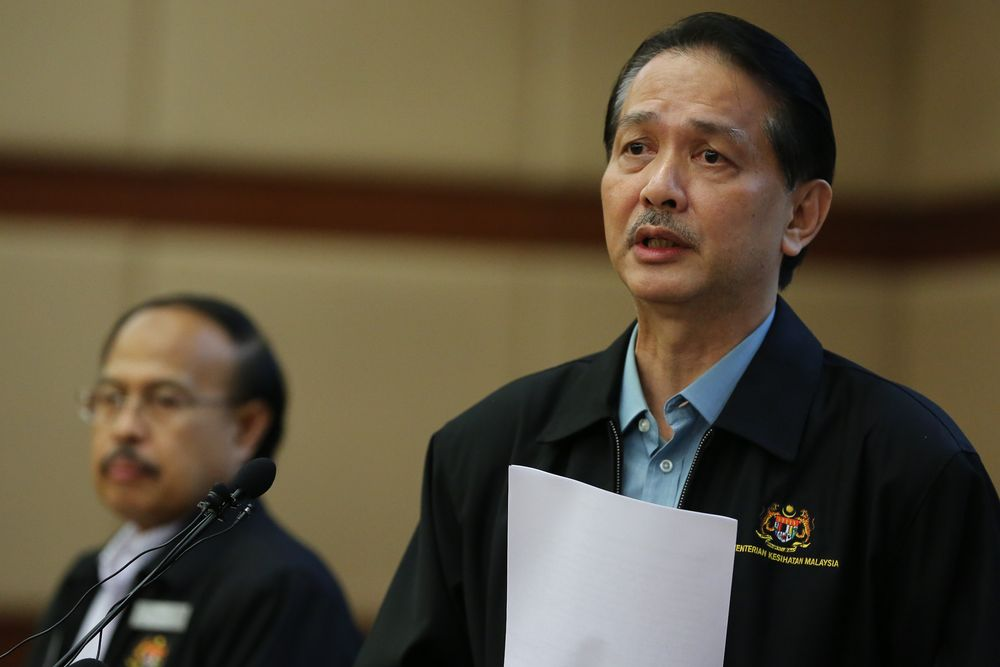 Health director-general Datuk Dr Noor Hisham Abdullah said Malaysia is still waiting for the World Health Organisation's updated guidelines on the use of surgical masks. — Picture by Yusof Mat Isa
