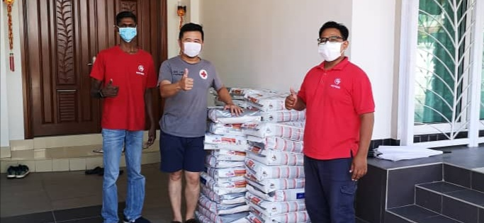 Ipoh Society for the Prevention of Cruelty Against Animals (ISPCA), who got 57 packets of kibbles, will share it with independent feeders in Ipoh. — Photo by Ricky Soong