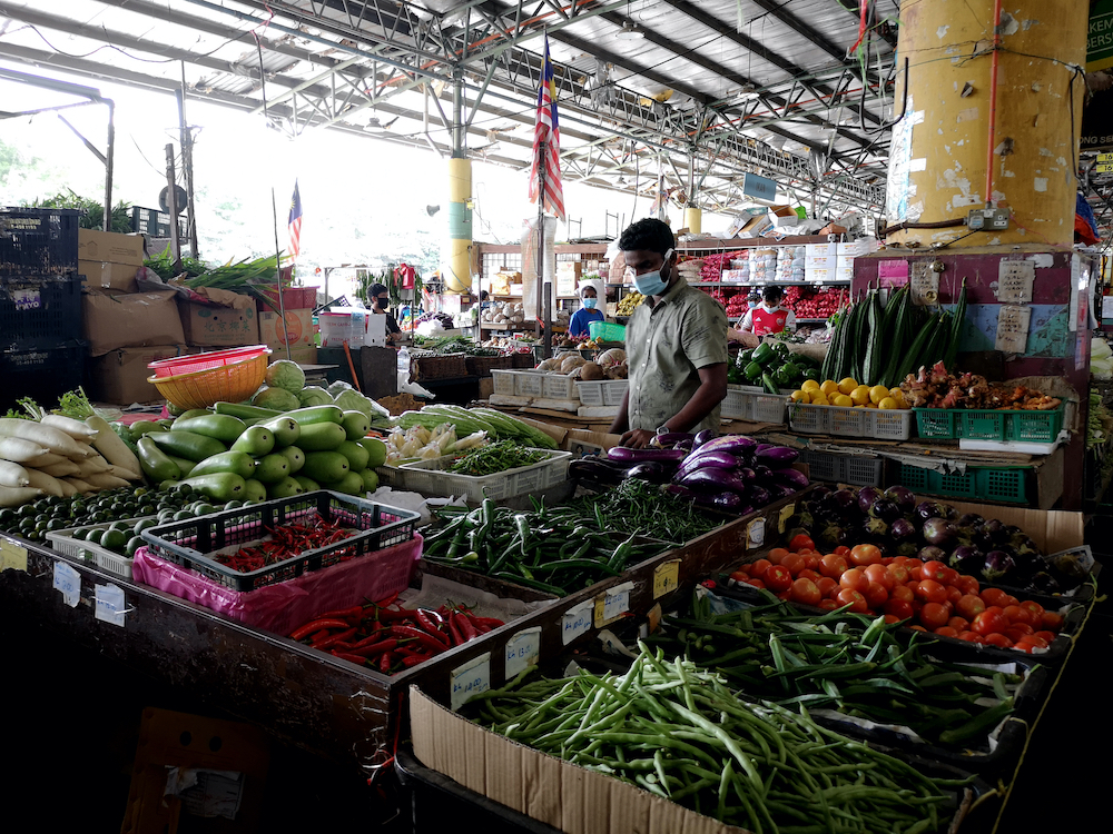 General view at Pasar Borong Selangor in Seri Kembangan May 13, 2020. On June 6, Senior Minister (Security Cluster) Datuk Seri Ismail Sabri Yaakob said the government allowed public markets namely open markets, morning markets, night markets and bazaria across the nation to resume operations from June 15 under strict SOPs. — Picture by Miera Zulyana