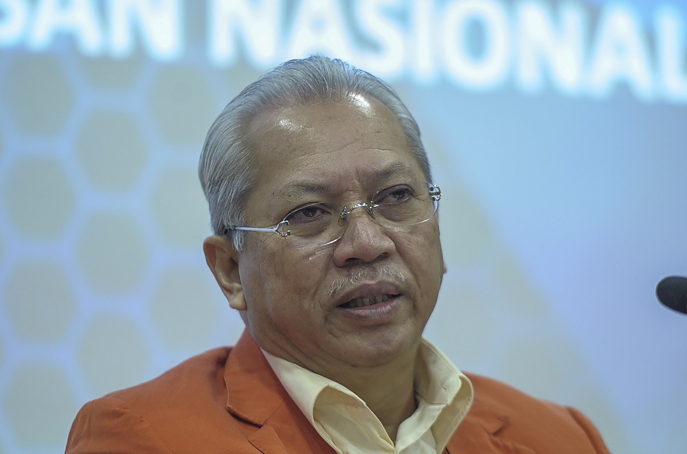 In a press conference, Tan Sri Annuar Musa said that Umno and PAS shared the same stance in their support for Tan Sri Muhyiddin Yassin as prime minister following a meeting between them last month. — Picture by Shafwan Zaidon
