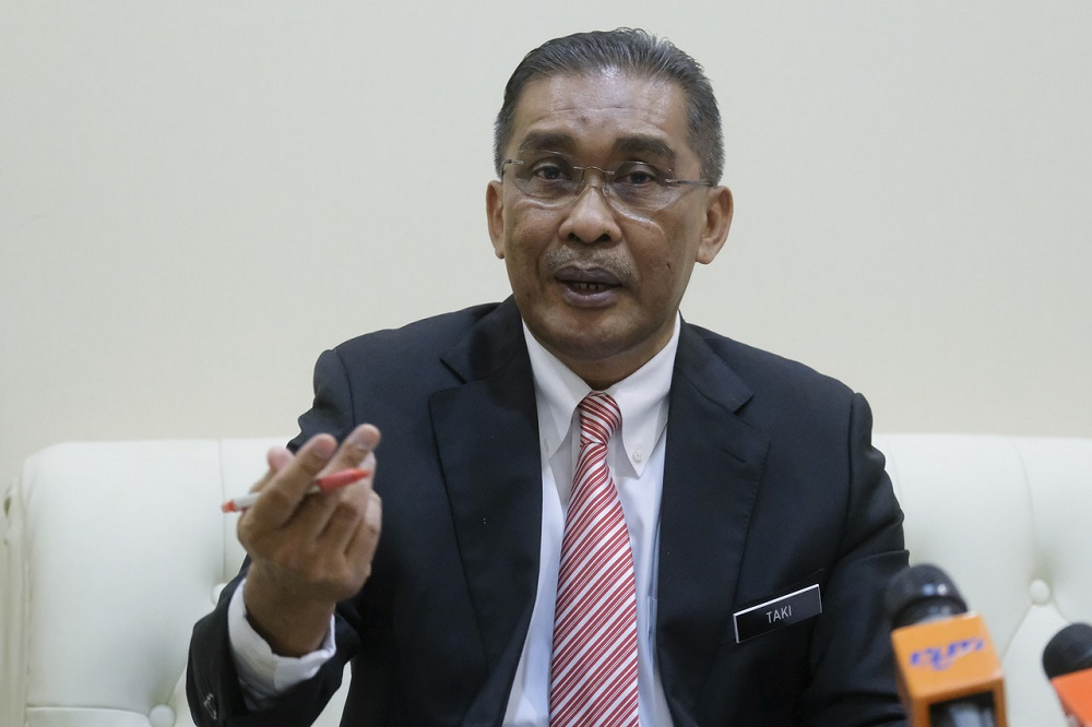 Minister in charge of parliament and law Datuk Takiyuddin Hassan said the government welcomes proposals and recommendations from the public on the drafting of the Temporary Measures Bill to mitigate the impacts of the Covid-19 pandemic. — Bernama pic