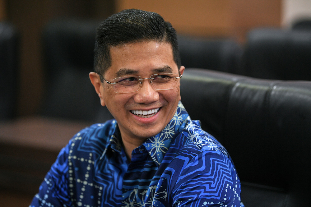 RoS today confirmed that it has not received any application for the formation of a new political party from Datuk Seri Mohamed Azmin Ali. — Bernama pic