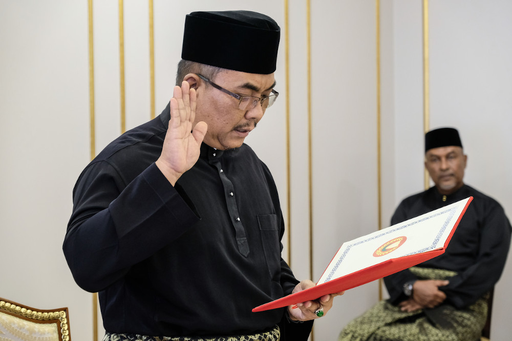 Sanusi was sworn in as the new Kedah mentri besar on May 17. — Foto Bernama