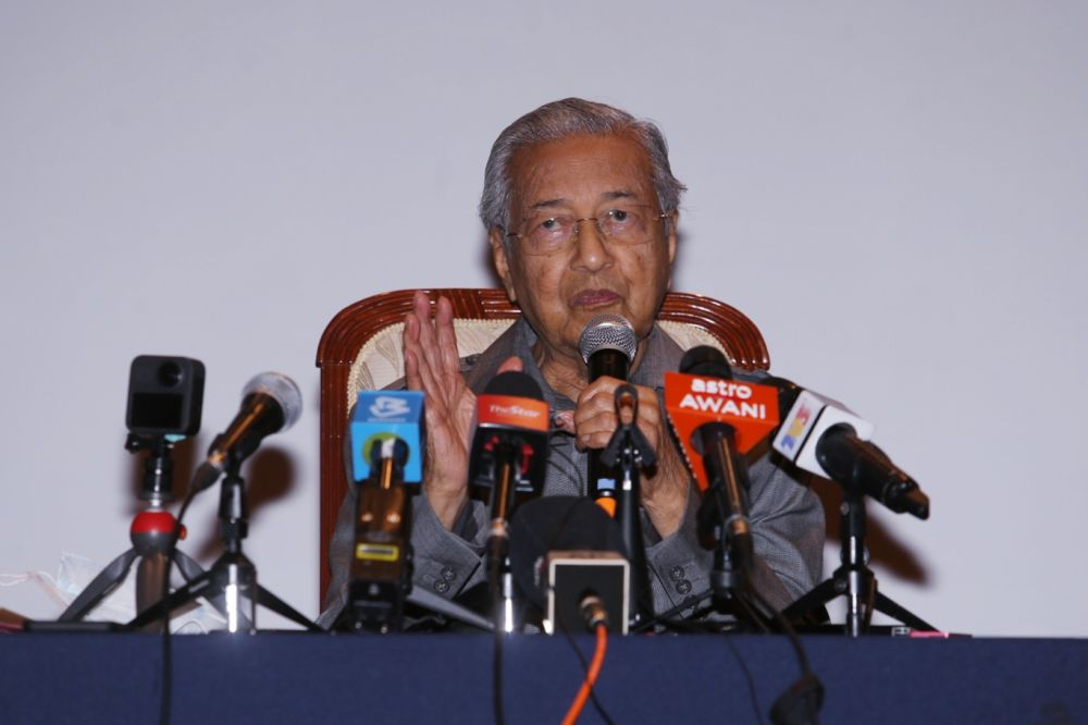 Dr Mahathir portrayed Najib as a major power broker in the PN coalition, saying the latter was fundamental in keeping Muhyiddin's administration in Putrajaya. — Picture by Choo Choy May