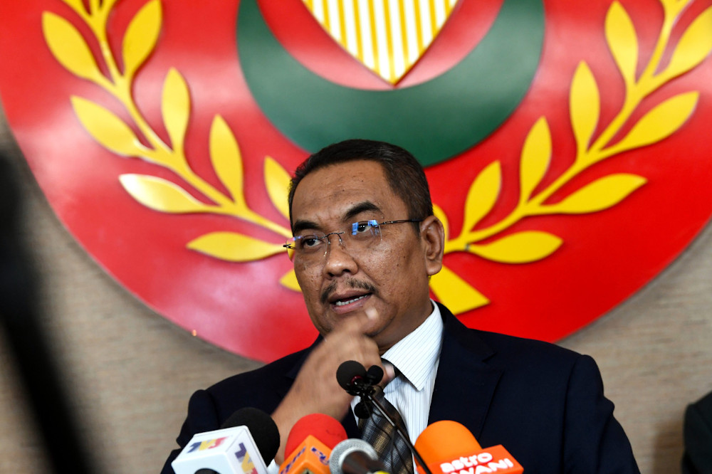 Kedah Mentri Besar Muhammad Sanusi Md Nor speaks to the media after chairing a meeting of the state executive council at Wisma Darul Aman in Alor Setar May 27, 2020. — Bernama pic