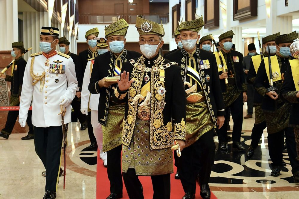 Yesterday, Istana Negara released a statement from the Yang di-Pertuan Agong in which he said he had not given the royal consent that was constitutionally required to revoke the Emergency Ordinances. — Bernama pic