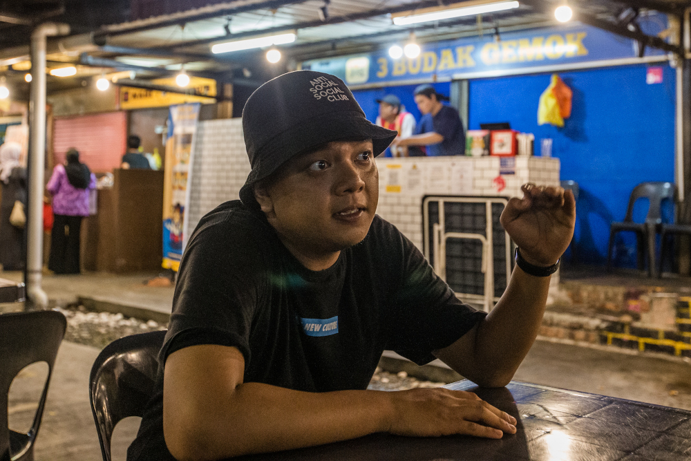 Amirul Marwan, who runs '3 Budak Gemok' within the 'H' foodcourt in Desa Sri Hartamas, speaks to Malay Mail during an interview June 20, 2020. — Picture by Firdaus Latif
