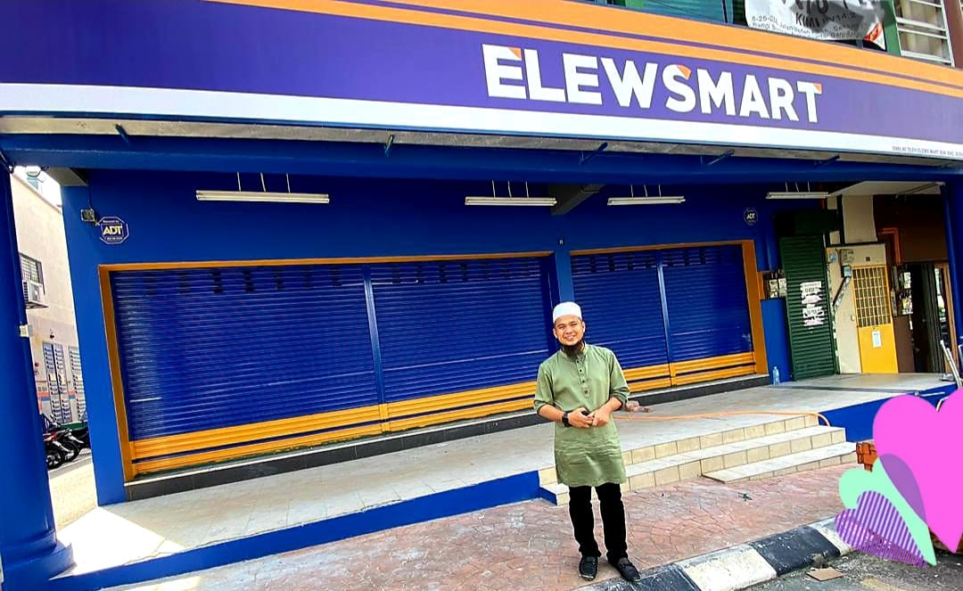 Ustaz Ebit Lew had announced that he will be opening 10 ElewsMart all around Klang Valley in mid-July this year.—Photo courtesy of Facebook/ Ebit Lew