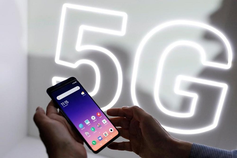 Marketing pitches in the US are bullish on superfast 5G telecom networks, but they remain more of a promise than reality. — Reuters pic