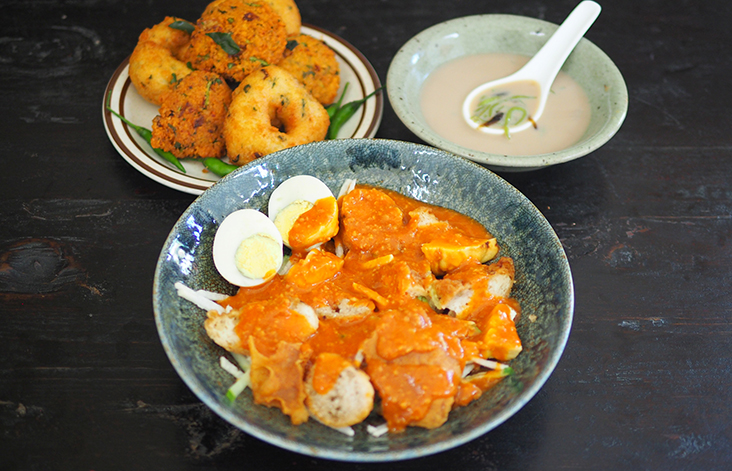 You can also order the famous 'rojak' and 'cendol' at Subang Square.