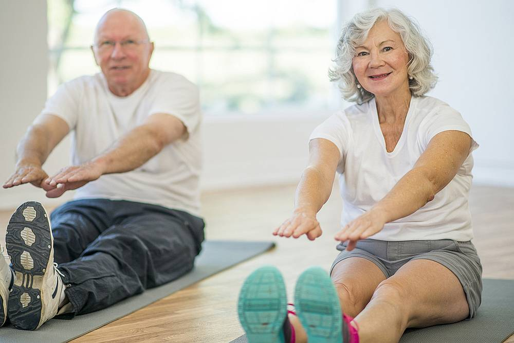 Following a healthy lifestyle could help reduce the risk of Alzheimer's disease. — FatCamera / Istock.com pic via AFP
