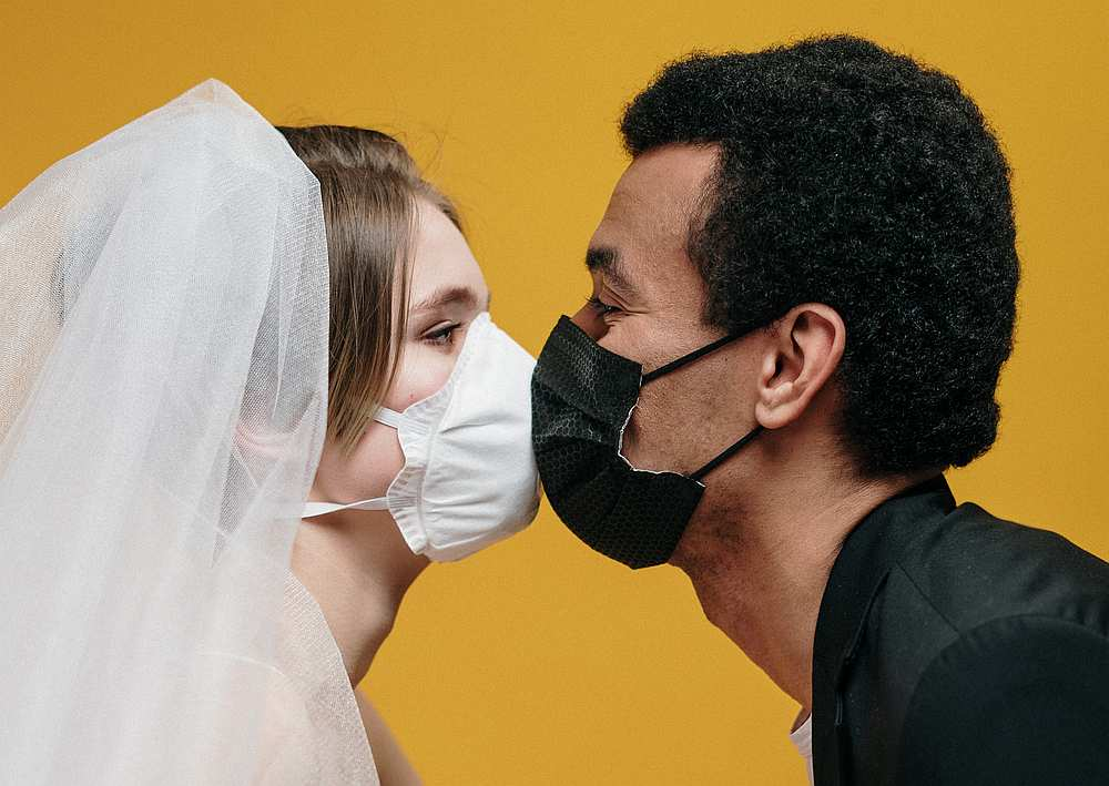 Couples are advised to wear a mask and avoid kissing while having sex during the Covid-19 pandemic. — Pexels.com pic