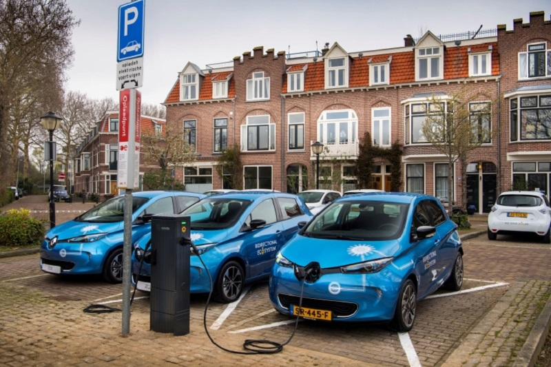 Renault is experimenting with bidirectional charging on a large scale, such as here in Utrecht. — Picture courtesy of Renault/VanDerVaartfotografie