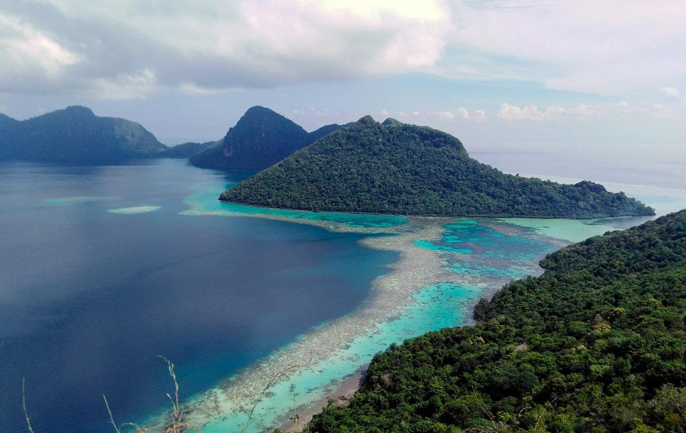 Beautiful scenery from the top of Bohey Dulang in Semporna Island July 23, 2020. — Bernama pic