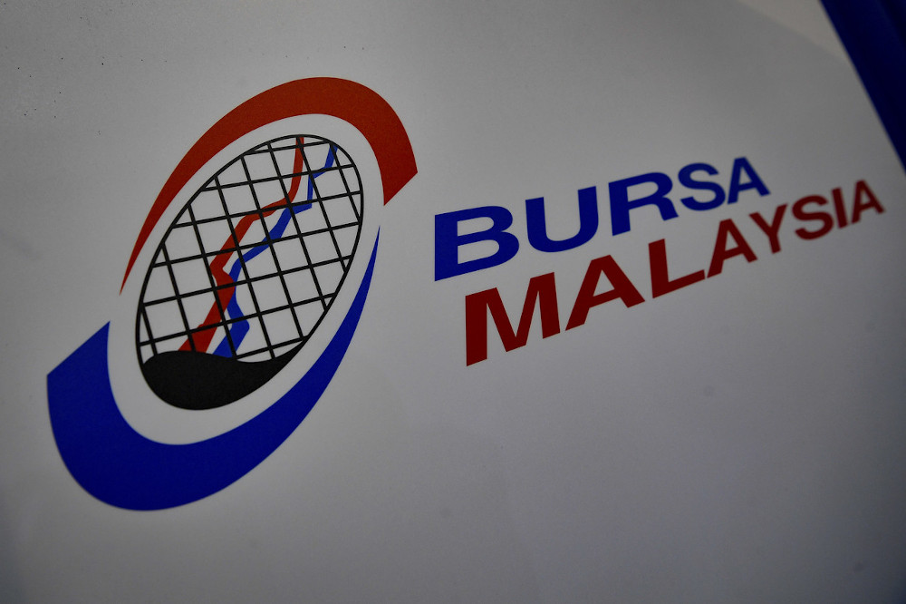 The benchmark FTSE Bursa Malaysia KLCI (FBM KLCI) is expected to move between 1,578 and 1,600 points next week. — Bernama pic