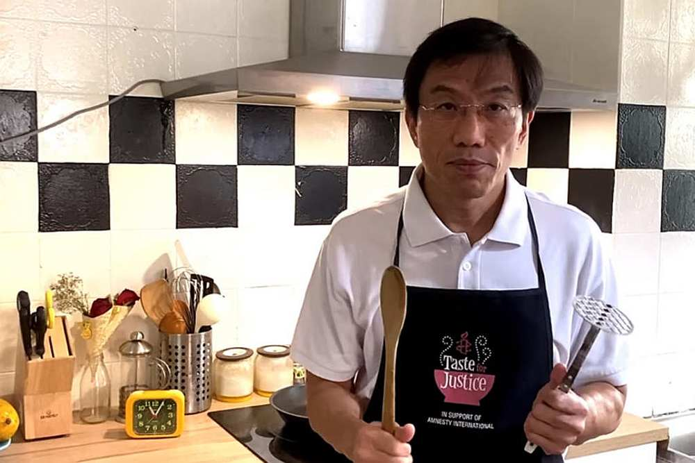 SDP chief Chee Soon Juan appearing in a video on his Facebook page promoting his S$100 'Chee-sy' mashed potatoes to raise money for the party. — Picture courtesy of Facebook/ Chee Soon Juan via TODAY