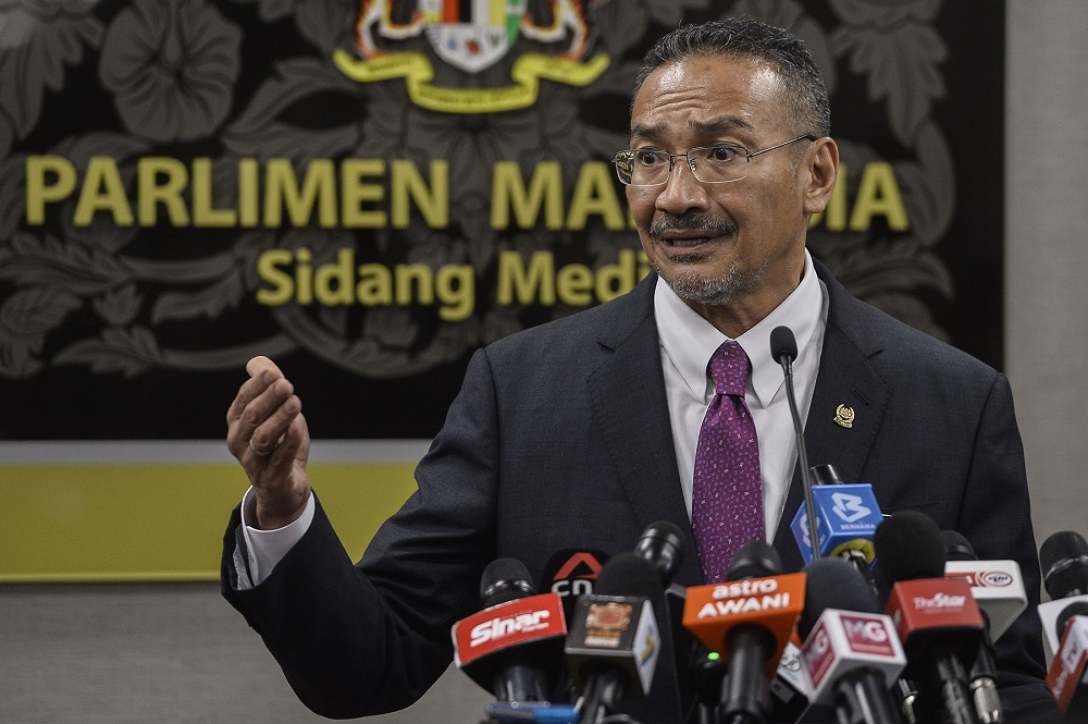 Foreign Minister Datuk Seri Hishammuddin Tun Hussein said matters relating to the South China Sea must be resolved peacefully based on the universally recognised principles of international law, including the United Nations Convention on the Law of the Sea (UNCLOS) 1982. ― Picture by Miera Zulyana