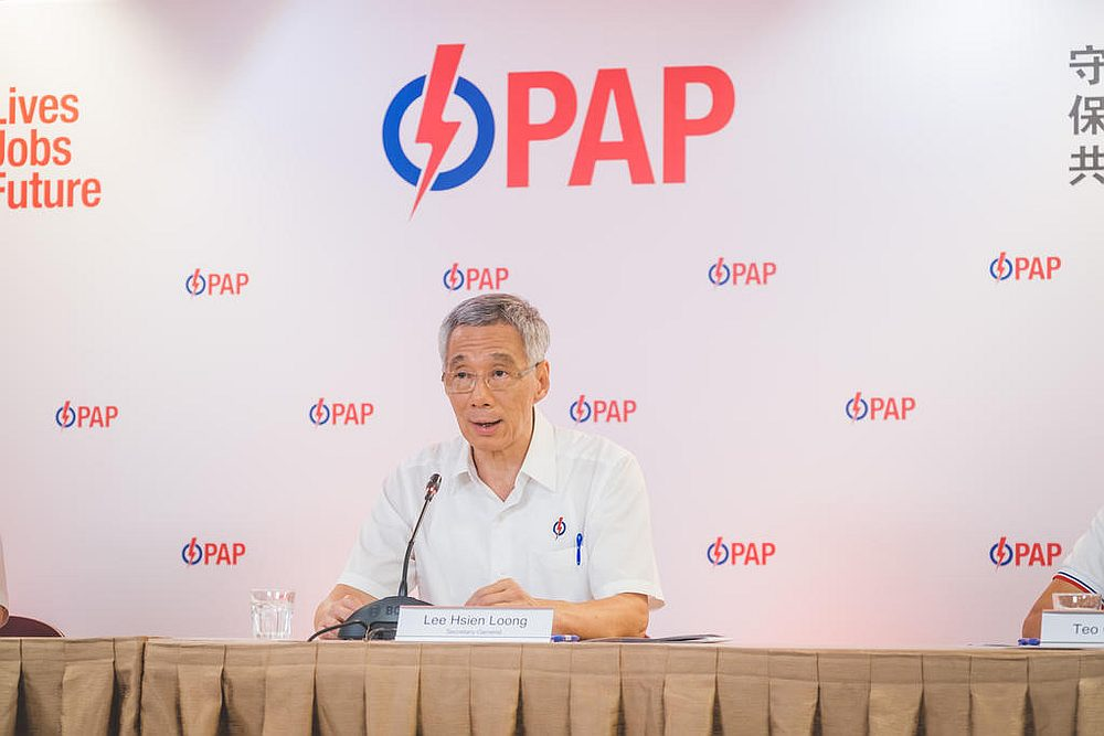 Lee Hsien Loong had said he was preparing to hand over the reins to a new generation of leaders in coming years. — PAP pic via TODAY