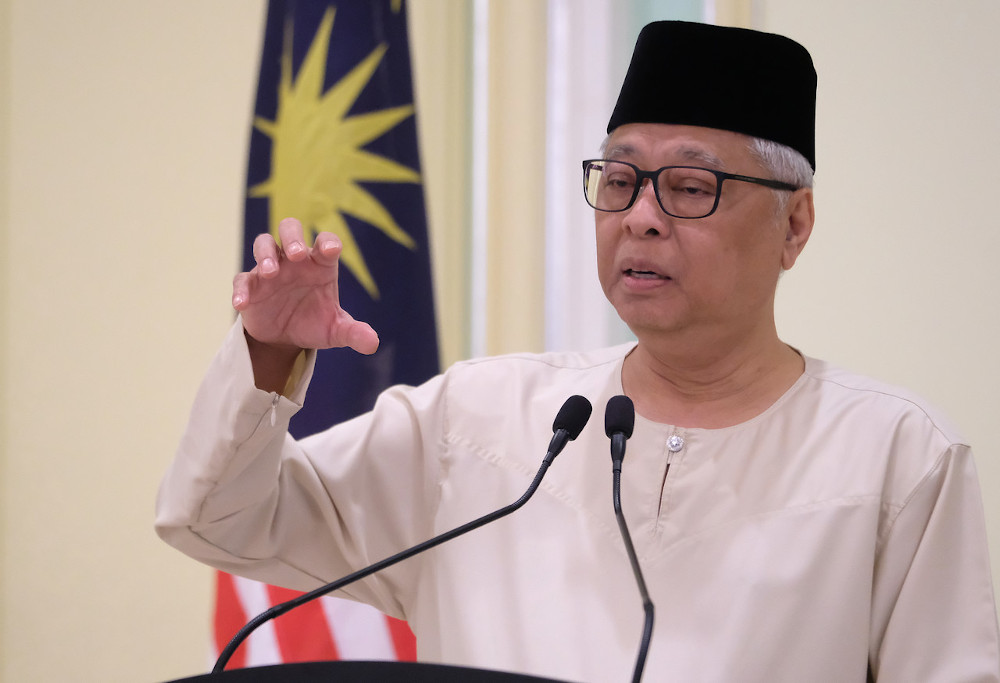 Senior Minister (Security Cluster) Datuk Seri Ismail Sabri Yaakob pointed out that at the federal level, the government is still closing its doors to foreign workers, with the exception of Senior Management Employment Pass 1 (EP1) category expatriates. — Bernama pic