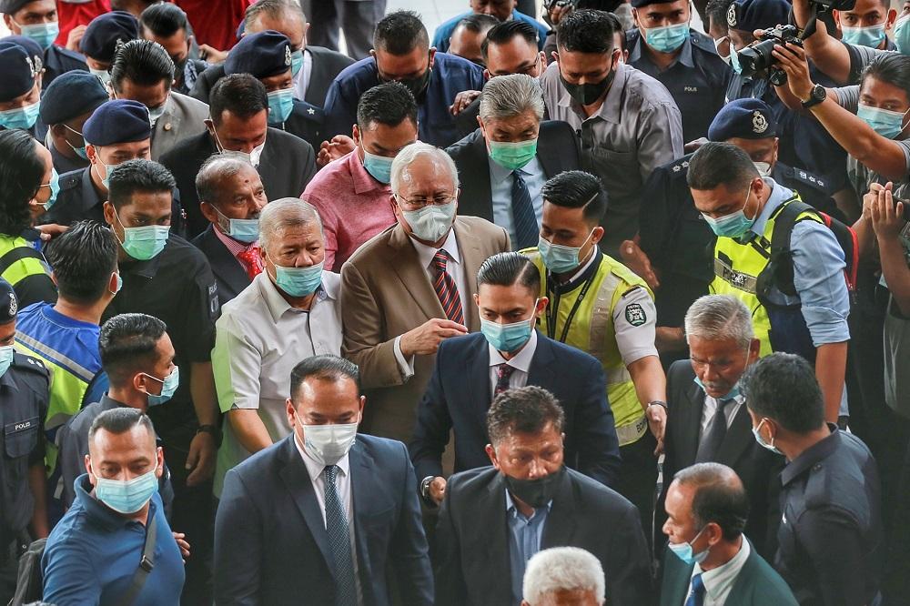 Datuk Seri Najib Razak is pictured at the Kuala Lumpur Court Complex July 28, 2020. ― Picture by Ahmad Zamzahuri