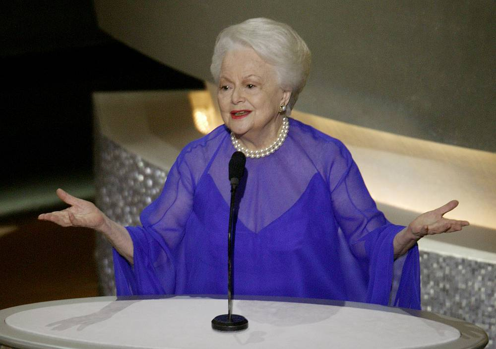 Actress Olivia de Havilland, former Oscar winner, at the 75th Annual Academy Awards at the Kodak Theatre in Hollywood, California March 23, 2003. — Reuters pic