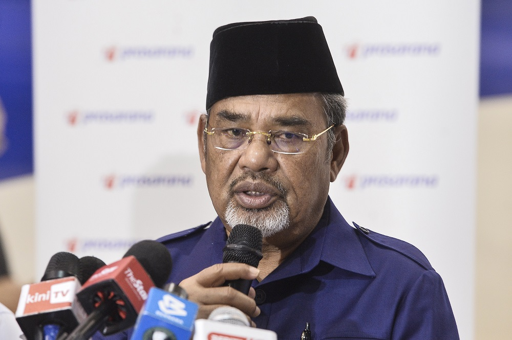 Tajuddin had earlier this month attended a press conference together with Datuk Seri Mohamed Nazri Aziz, who yesterday announced he had tested positive for Covid-19. ― Picture by Miera Zulyana