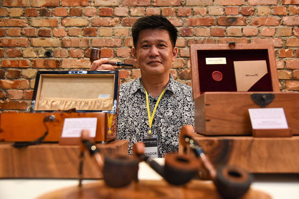 Johnsson Ooi started making tobacco pipes as a hobby back in 200.