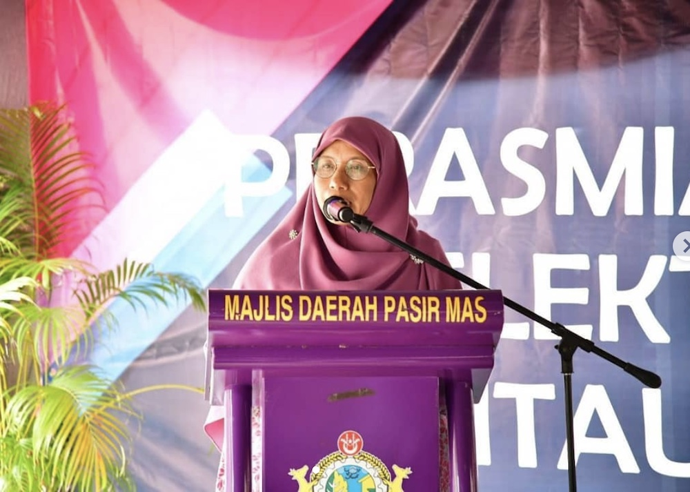 Women, Family and Community Development Deputy Minister, Datuk Siti Zailah Mohd Yusoff said only 25,000 applications have been approved since it was opened in July. — Picture via Instagram/sitizailahmohdyusoff