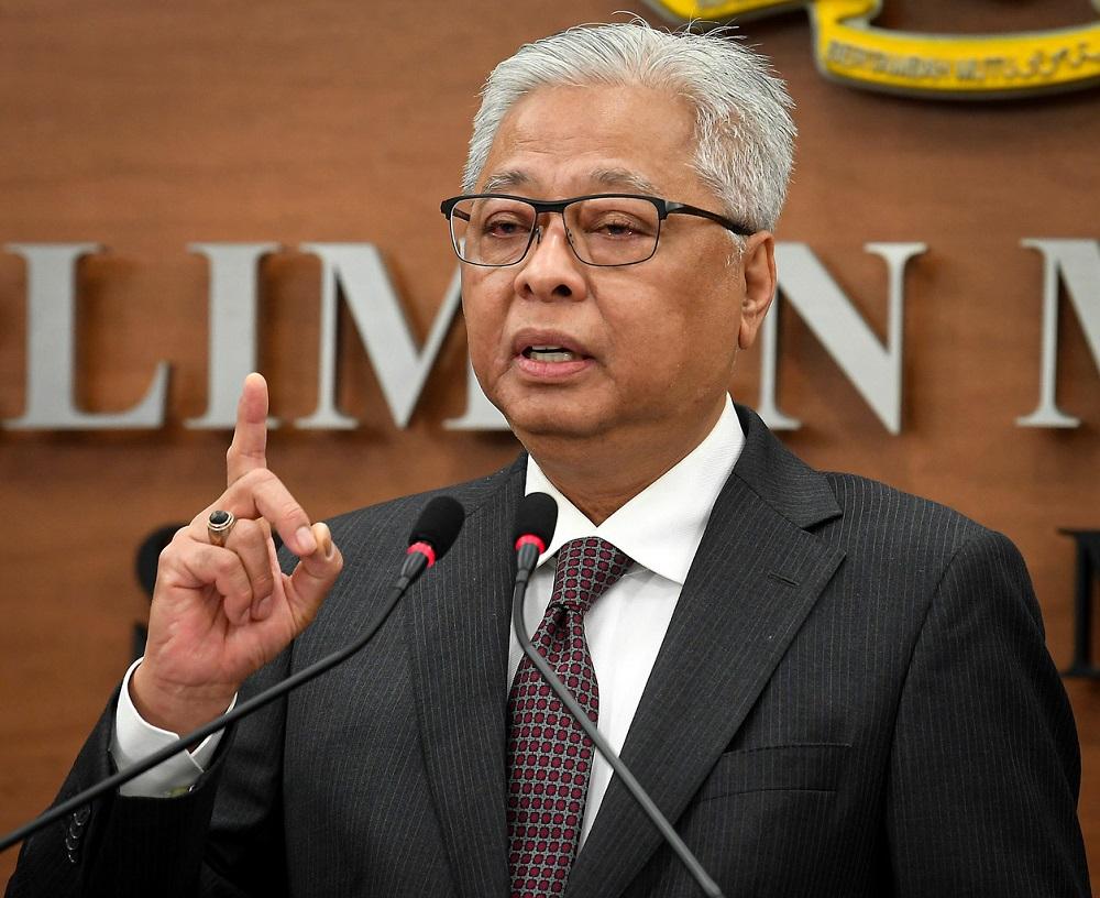 Senior Minister Datuk Seri Ismail Sabri Yaakob speaks during a press conference at Parliament in Kuala Lumpur August 18, 2020. — Bernama pic