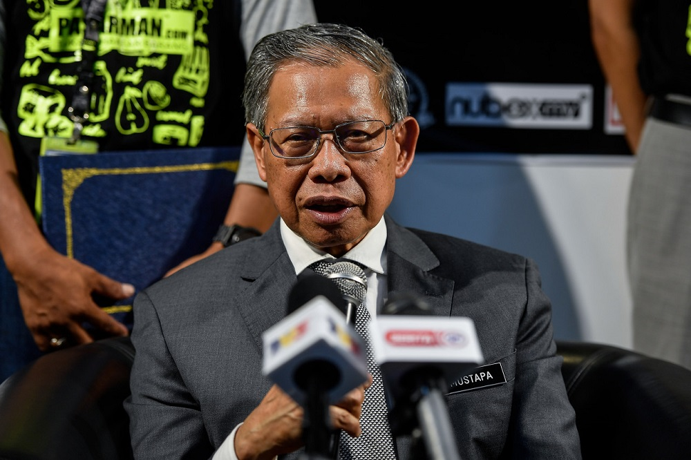 Minister in the Prime Minister's Department (Economy) Datuk Seri Mustapa Mohamed said the government will ensure that information pertaining to the distribution of aid to the poor will be standardised in a more organised manner to prevent any duplication of assistance. ― Bernama pic