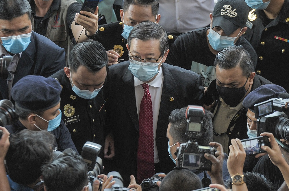 Former finance minister Lim Guan Eng arrives at the Kuala Lumpur Court Complex August 7, 2020. ― Picture by Shafwan Zaidon
