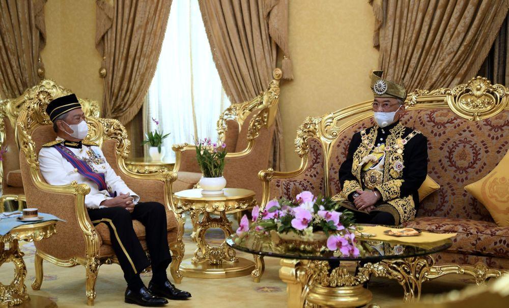 Prime Minister Tan Sri Muhyiddin Yassin is seen speaking to Yang di-Pertuan Agong Al-Sultan Abdullah Ri'ayatuddin Al-Mustafa Billah Shah at Istana Melawati , Putrajaya August 17, 2020. — Bernama pic