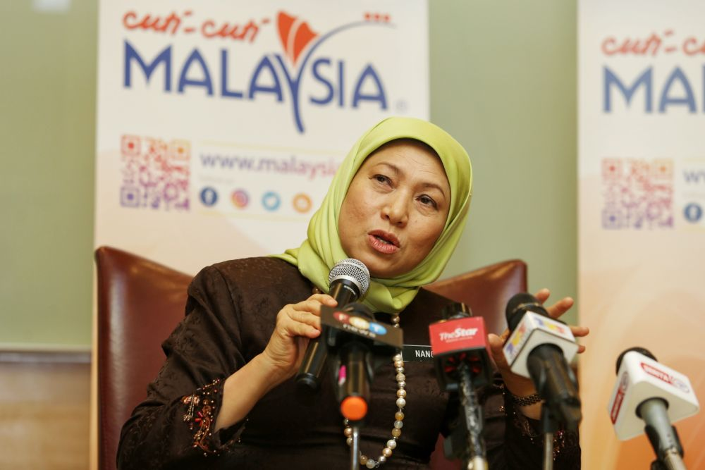 Tourism, Arts and Culture Minister Datuk Seri Nancy Shukri said economic chains in the country's tourism industry such as accommodation, transportation, food and beverage, travel agencies, arts and cultural heritage assets as well as event management should be given attention. — Picture by Choo Choy May