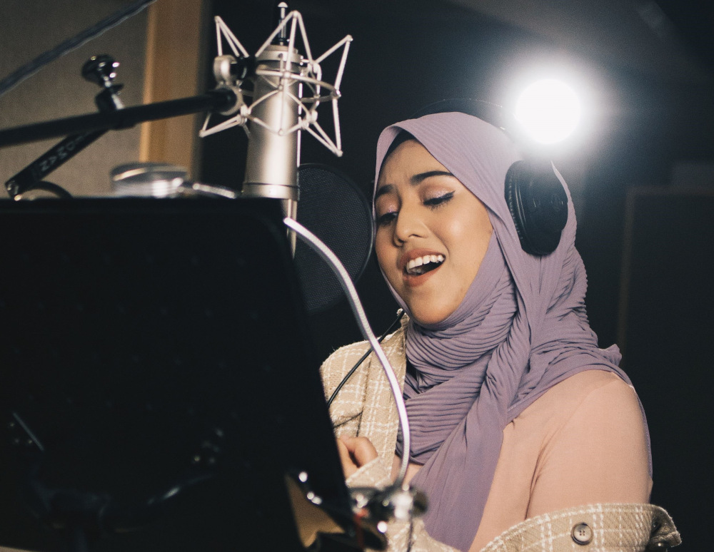 Singer Shila Amzah releases new single 'Kita' in conjunction with Merdeka and Malaysia Day. — Picture courtesy of GME Malaysia