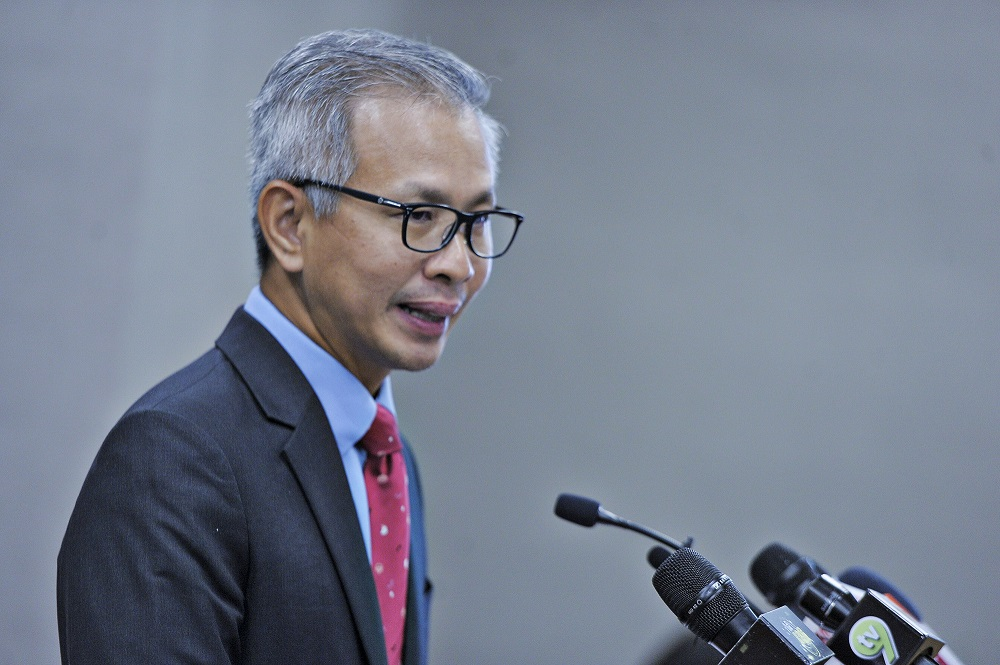 Damansara MP Tony Pua speaks during a press conference at Parliament in Kuala Lumpur August 5, 2020. — Picture by Shafwan Zaidon