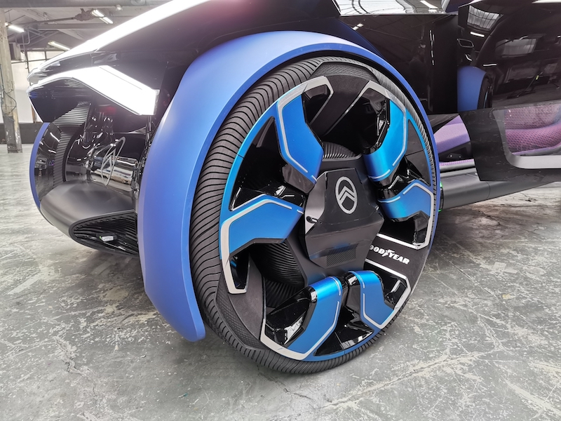 A futuristic wheel on the Citroën 19_19 concept — Picture courtesy of David Bénard/ETX Studio