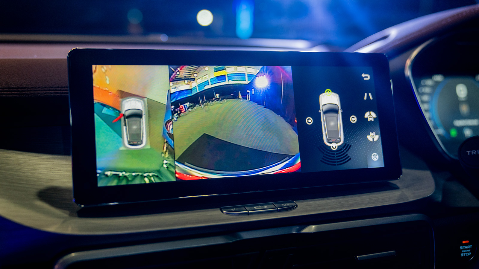 Proton said all X50 model's entertainment system will run on GKUI 19, powered by an E01 Quad-Core CPU and support eSIM. — Picture by SoyaCincau