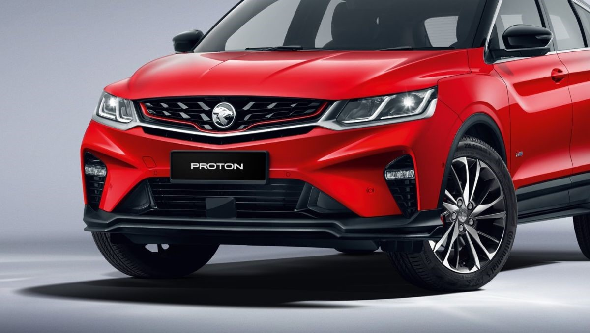 Proton shared three high resolution images which provides a better view of the front, sides and the interior of the X50. — Picture courtesy of Proton via SoyaCincau