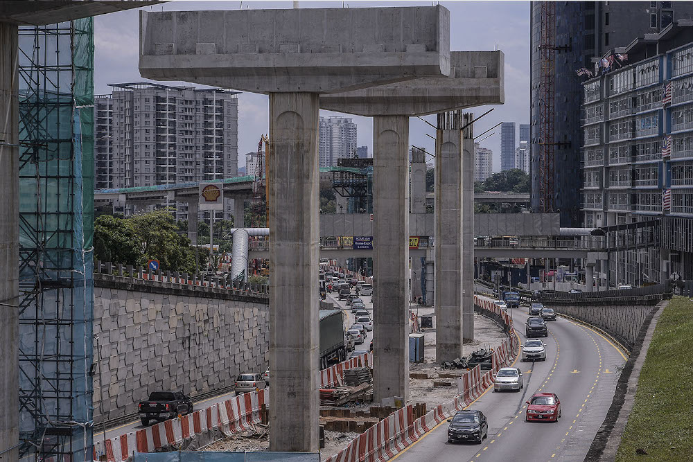 Malaysia's economy is on track for recovery even as it is expected to record negative growth in 2020. — Picture by Hari Anggara
