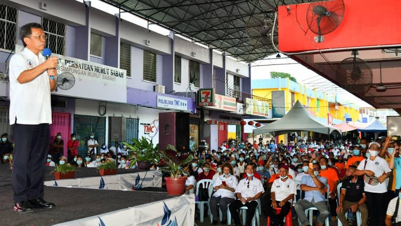 Caretaker Chief Minister Datuk Seri Mohd Shafie Apdal's speaks during a campaign at Melalap September 20, 2020. — Borneo Post Online pic